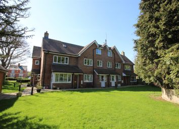 Thumbnail 2 bed flat to rent in Charlton Road, Wantage