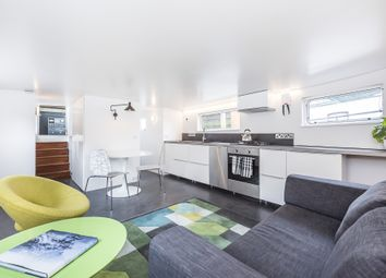 Thumbnail 1 bed flat to rent in Albion Quay, Battersea