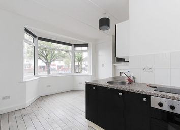 Thumbnail Studio to rent in Hendon Way, Golders Green, London