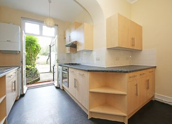 Thumbnail Flat to rent in Geraldine Road, London