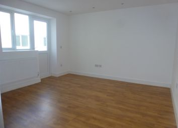 Thumbnail Studio to rent in Gatwick Road, Crawley