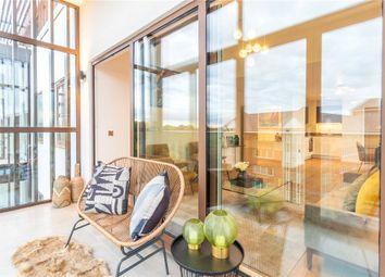 296 Farnborough Road, Farnborough, Hampshire GU14. 1 bed flat for sale