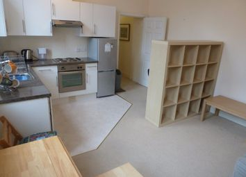 Thumbnail 1 bed flat to rent in Cheapside, Reading
