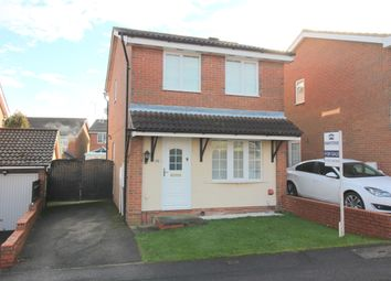 Thumbnail 3 bed detached house for sale in Rochford Drive, Luton