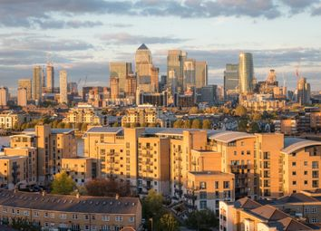 Thumbnail 3 bed flat to rent in Greenfell Mansions, Glaisher Street, Greenwich