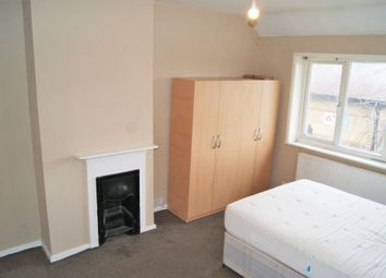 Room to rent in Moorside Road, Downham BR1