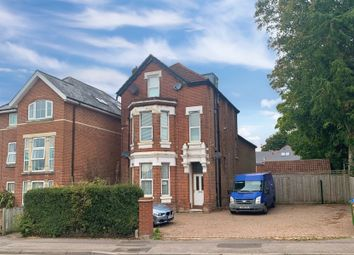 Winchester Road, Southampton, Hampshire SO16. 2 bed flat for sale