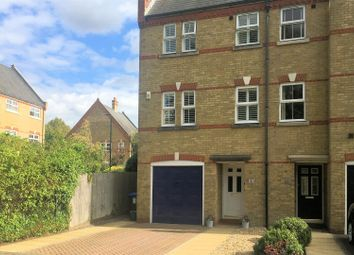 4 bed end terrace house for sale in Silistria Close, Knaphill, Woking GU21