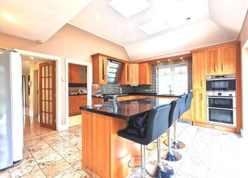 5 bed detached house to rent in Wendover Drive, New Malden, Great London KT3
