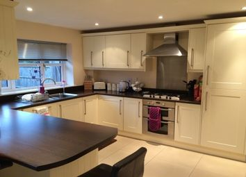 Thumbnail 3 bed detached house to rent in The Meadway, Tilehurst, Reading