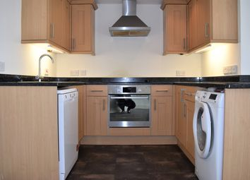 Thumbnail 2 bed flat to rent in Barnby Gate, Newark