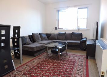 Thumbnail 1 bedroom flat to rent in Hardwick Crescent, Dartford