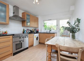 Thumbnail 4 bed town house to rent in Rochelle Close, London