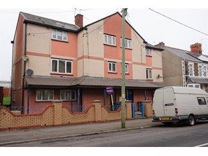 Thumbnail 3 bedroom maisonette to rent in Court Road, Barry