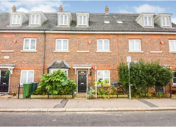 2 bed maisonette for sale in Queens Avenue, Watford WD18