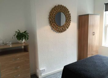 Thumbnail Studio to rent in Wilderspool Causeway, Warrington