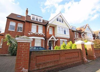 3 bed flat to rent in Blakesley Avenue, London W5