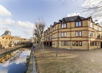 Thumbnail 1 bed flat for sale in Spirit Quay, London