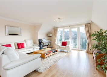 Thumbnail 3 bedroom flat for sale in Lincombe Lodge, Fox Lane, Oxford