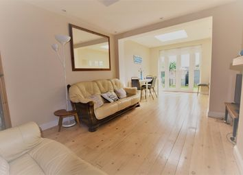 Thumbnail Room to rent in Fullwell Avenue, Ilford