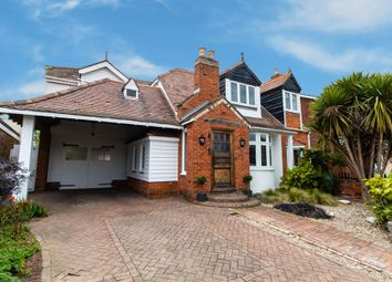 4 bed detached house for sale in Little Wakering Road, Little Wakering SS3