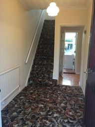 Thumbnail 3 bed property to rent in Fairford Close, Romford