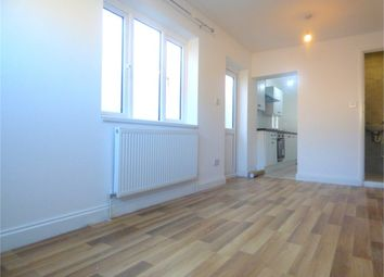 Thumbnail Studio to rent in Sutton Avenue, Langley, Berkshire