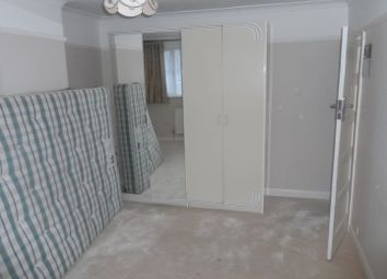 Thumbnail Room to rent in Bramdean Crescent, London