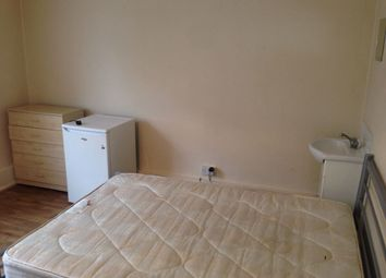 Thumbnail 1 bed flat to rent in The Broadway, Bexley Heath