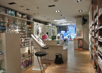 Thumbnail Retail premises to let in Farringdon Road, London