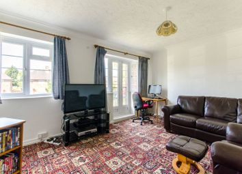 3 bed flat for sale in Reservoir Road, Oakwood, London N14