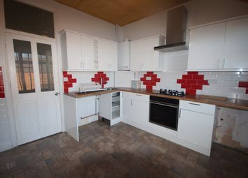 Thumbnail 2 bedroom flat to rent in Windmill Hill, Enfield, Middlesex