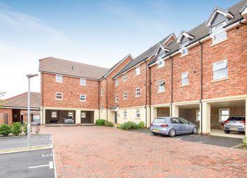 Thumbnail 2 bed flat to rent in Newbury, Newbury