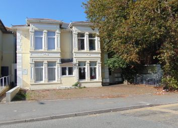 3 bed flat to rent in Queen Victoria Road, Flat 3, Llanelli SA15