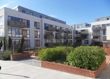 Thumbnail 1 bed flat to rent in Somerhill Avenue, Hove