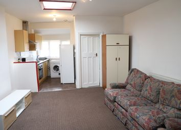 Thumbnail 2 bed flat to rent in Staines Road, Feltham