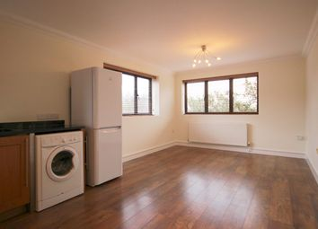 Thumbnail Flat to rent in Hatfield Road, St Albans