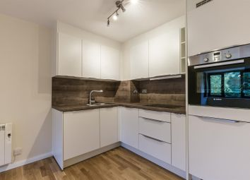 Thumbnail 1 bed flat to rent in Bushey Grove Road, Bushey