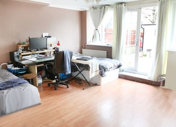 Thumbnail 4 bed flat to rent in Brownfield Street, Canary Wharf