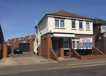Thumbnail Warehouse to let in Queens Road, Hersham
