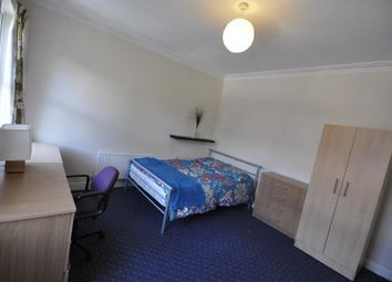 Thumbnail 4 bedroom shared accommodation to rent in 7 Ashville Grove, Hyde Park, Leeds