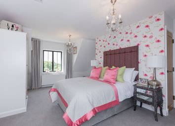 Thumbnail 4 bed end terrace house for sale in Station Road, Bletchingdon