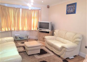 3 bed property to rent in Yoxley Drive, Ilford IG2