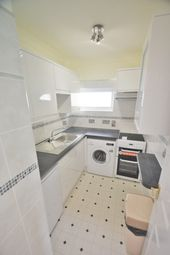 Thumbnail 2 bedroom flat to rent in Ellesmere Road, Torquay