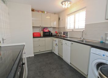 Thumbnail 2 bedroom flat to rent in Swan Street, Petersfield