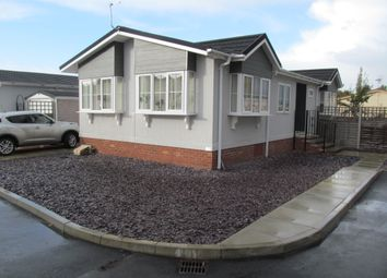 Thumbnail 2 bed mobile/park home for sale in Bramble Close, Oaktree Park (Ref 5752), Norwich Road, Attleborough, Norfolk
