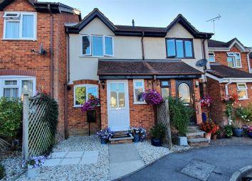 Finch Close, Tadley RG26. 2 bed terraced house