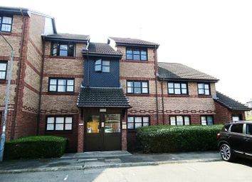Thumbnail 2 bed flat to rent in Avonmouth Road, Dartford