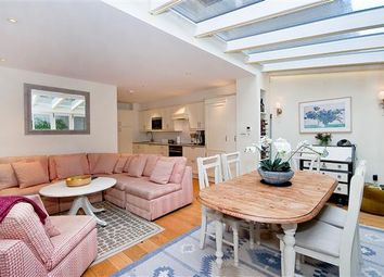 Thumbnail 5 bedroom property to rent in Cadogan Lane, Knightsbridge