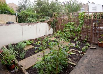 Thumbnail 1 bed flat for sale in Chatterton Road, London